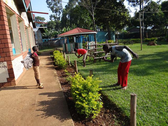 Kinder-Gartenarbeit-2013.jpg