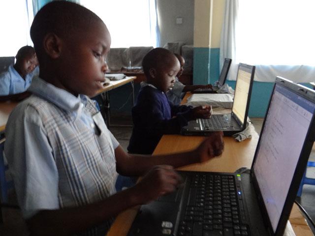 Kinder-Laptop-1-2013.jpg