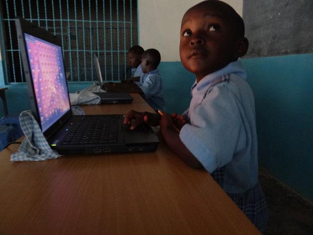 Kinder-Laptop-2-2013.jpg